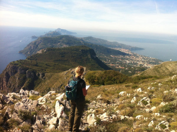 Monte Comune in Italy (On Foot Holidays).reduced